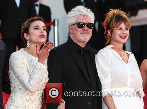 Adriana Ugarte, Pedro Almodovar and Emma Suarez