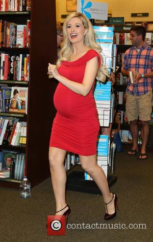 Holly Madison - Holly Madison Signs Her New Best Seller 'The Vegas Diaries' at The Rainbow Avenue Barnes & Noble...