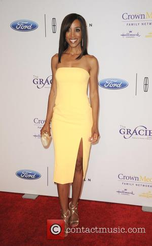 Shaun Robinson - 41st Annual Gracie Awards Gala held at the Beverly Wilshire Four Seasons Hotel - Arrivals - Los...