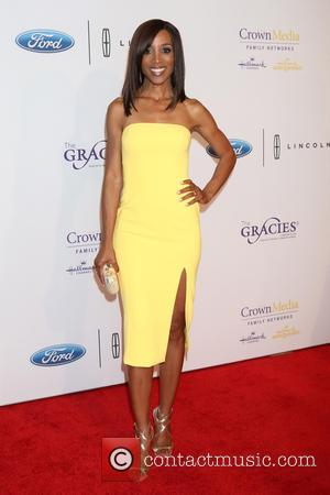 Shaun Robinson - 41st Annual Gracie Awards Gala held at the Beverly Wilshire Four Seasons Hotel - Arrivals at Beverly...