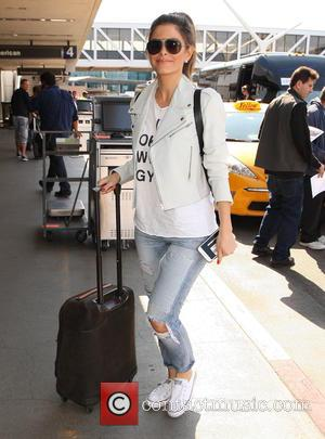 maria menounos - Maria Menounos arrives at Los Angeles International (LAX) Airport to catch a flight - Los Angeles, California,...