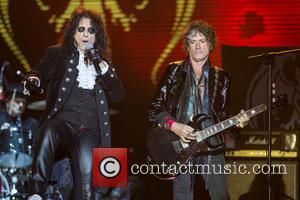 Alice Cooper, Joe Perry and Hollywood Vampires