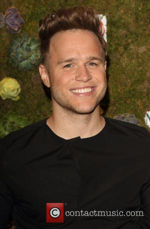 'Naturist' Olly Murs Strips Off For Naked Twiter Pic