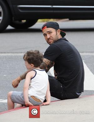 Pete Wentz - Pete Wentz goes to the Farmers Market with his son Bronx and some friends - Los Angeles,...