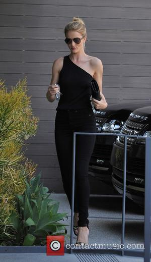 Rosie Huntington-Whiteley - Rosie Huntington-Whiteley out and about in Los Angeles wearing black skinny jeans - Los Angeles, California, United...