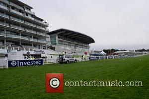 Atmosphere - Investec Oaks 2016 -  Ladies Day at Epsom Downs Racecourse at Epsom Downs Racecourse - Epsom, United...
