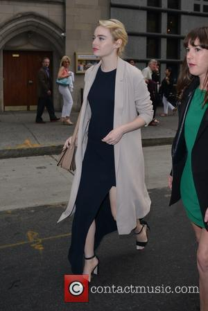 Emma Stone - Emma Stone leaving a resturanti Midtown - Manhattan, New York, United States - Saturday 4th June 2016