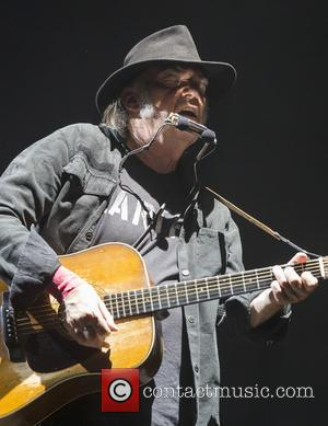 Neil Young Demands President Obama Enforce Dakota Access Pipeline Decision