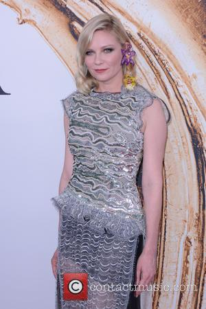 Kirsten Dunst Casts Dakota Fanning In Big Directorial Debut