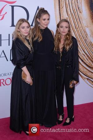 Elizabeth Olsen, Ashley Olsen and Mary-kate Olsen