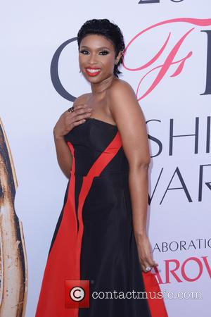 Jennifer Hudson's Cfdas Outfit Sparkled With Over A Million Crystals