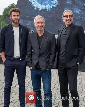 Chris Hemsworth, Roland Emmerich and Jeff Goldblum