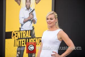 Elisabeth Rohm - Premiere of Warner Bros. Pictures 'Central Intelligence' - Arrivals at Westwood Village Theatre - Westwood, California, United...