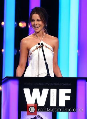 Kate Beckinsale Denies Romance With