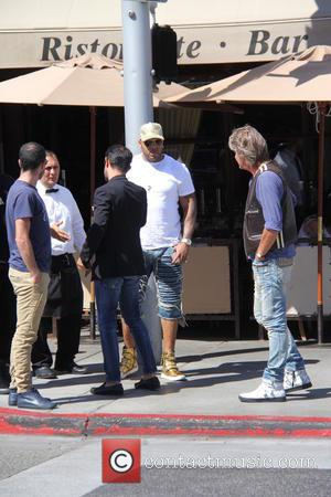 flo rida - Flo Rida out and about with his friends on a sunny day at beverly hills - Beverly...
