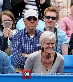 Kevin Spacey Judy Murray - Kevin Spacey sits behind Judy Murray at Queens watching Andy Murray - London, United Kingdom...