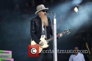 ZZ Top played a 'best of' set at Glastonbury Festival 2016, they also threw in the odd cover including their...