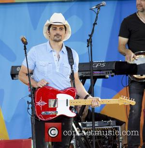 Brad Paisley And Jennifer Garner Support Flood Victims In Home State