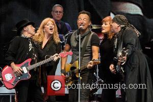 Bruce Springsteen, Nils Lofgren, Patti Scialfa, Steven Van Zandt, Max Weinberg and Soozie Tyrell