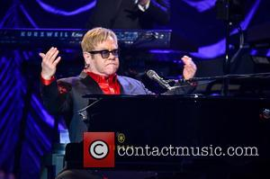 Elton John Vows To Help Gay Africans' Aids Fight