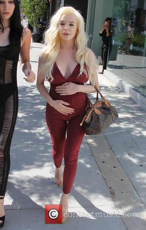 Courtney Stodden Shaves Her Head As 'Symbolic Gesture' To Lost Baby