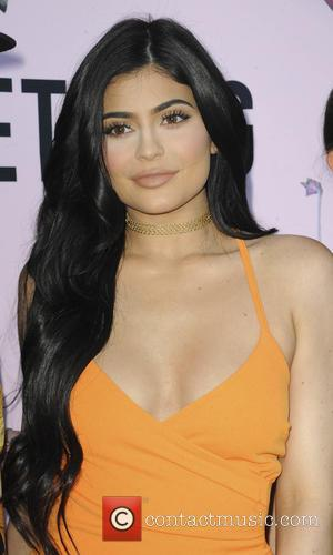 Kylie Jenner Too Sick To Tweet After Food Poisoning