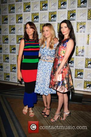 Bree Turner, Claire Coffee and Bitsie Tulloch