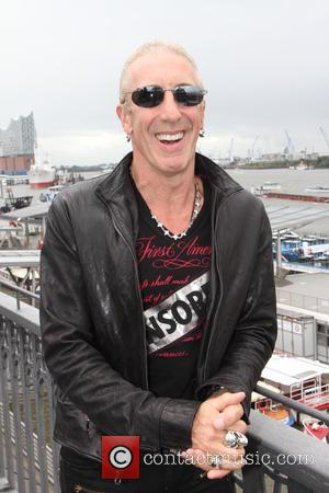 Dee Snider's New Granddaughter Born On Los Angeles Freeway