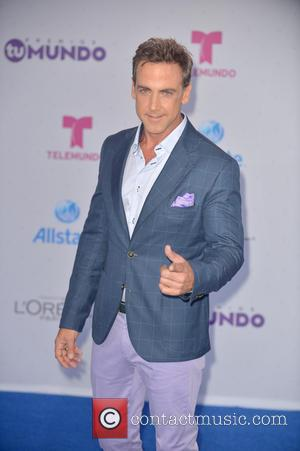 Carlos Ponce Suffering From Pinched Nerve
