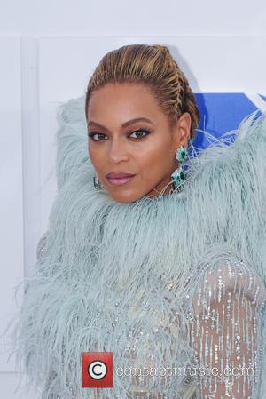Vocal Problems Force Beyonce To Postpone Return To The Road