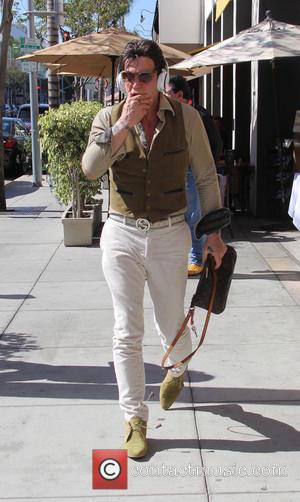 Actor Mickey Rourke leaving Caffe Roma in Beverly Hills, United States - Saturday 10th September 2016