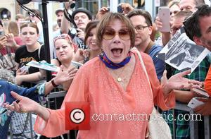 Shirley Maclaine Lands Career Achievement Honour