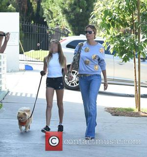 Heidi Klum and her daughter Leni spend the afternoon together walking their Pomeranian in Los Angeles, California. United States -...