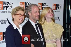 Annette Bening and Elle Fanning