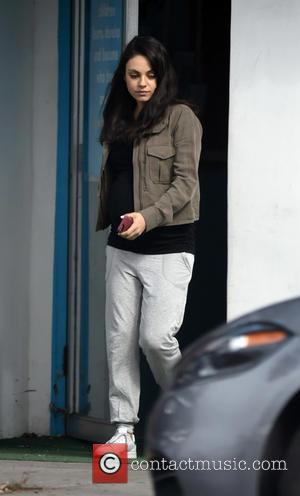 Heavily pregnant Mila Kunis shows off her baby bump while out shopping - Los Angeles, California, United States - Tuesday...
