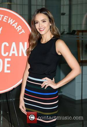 Jessica Alba Uses Her Dad As Her Realtor