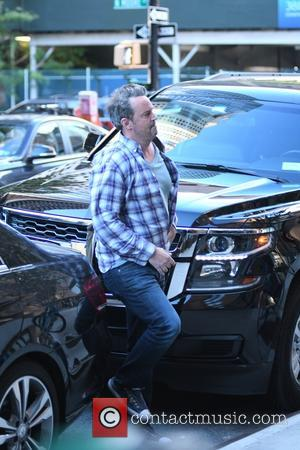 Actor Matthew Perry entering his hotel, Manhattan, New York, United States - Tuesday 25th October 2016