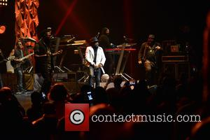 Anthony Hamilton performs onstage at Broward Center for the Performing Arts, with special guests Lalah Hathaway and Eric Benet, in...