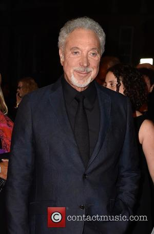 """Sir Tom Jones Cancels Gigs Because Of """"Bacterial Infection"""""""