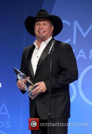 Garth Brooks In Talks To Play At Donald Trump's Inauguration