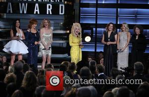 Kacey Musgraves, Reba Mcentire, Jennifer Nettles, Dolly Parton, Martina Mcbride and Carrie Underwood