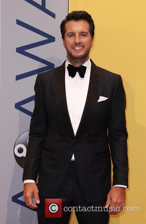 Luke Bryan To Perform U.s. National Anthem At Super Bowl
