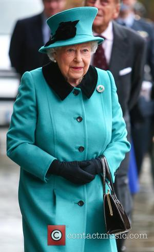 Queen Elizabeth Ii Resumes Christmas Plans After Illness