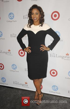 Holly Robinson Peete at the Eva Longoria Foundation Dinner - Los Angeles, California, United States - Friday 11th November 2016