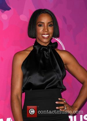 Kelly Rowland Offers Up Motherhood Tips In New Book
