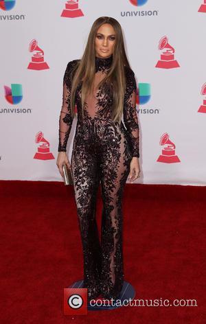 Jennifer Lopez Wins Restraining Order Against Transient Fan