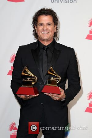 Carlos Vives Donates Guitar To Smithsonian Museum
