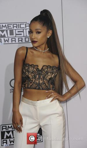 Ariana Grande Makes Peace With Estranged Dad