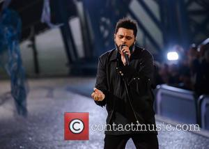 The Weeknd Debuts At Number One In U.s. Album Charts