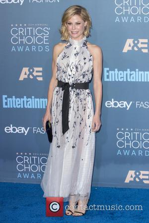 Julie Bowen at the 22nd Annual Critics' Choice Awards held at Barker Hangar, Critics' Choice Awards - Santa Monica, California,...